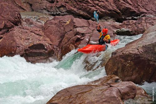 Каякинг на Кавказе река Белая каньон Гранитный порог Киши