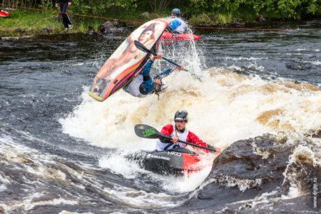 Huge Loop freestyle kayaking