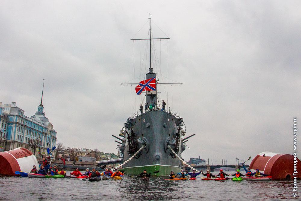 На каяке байдарке SUP САП по рекам и каналам Санкт-Петербурга по Неве
