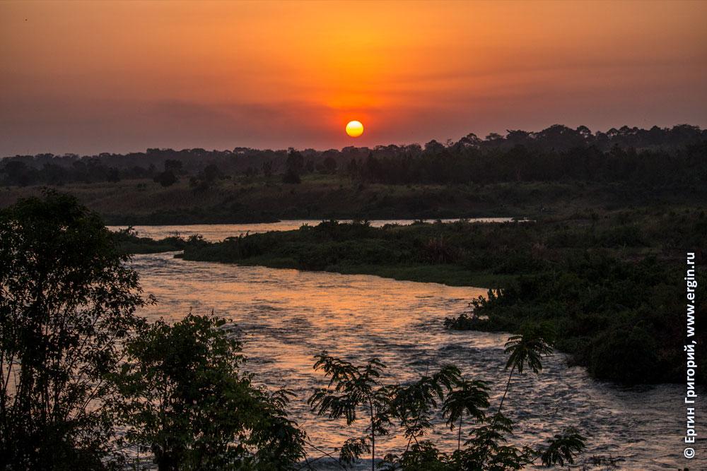 Закат над катальными валами белого Нила