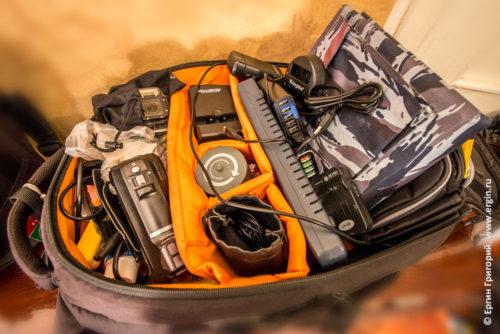 Полный рюкзак гаджетов девайсов