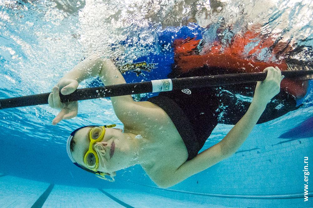детский каякинг переворот под водой