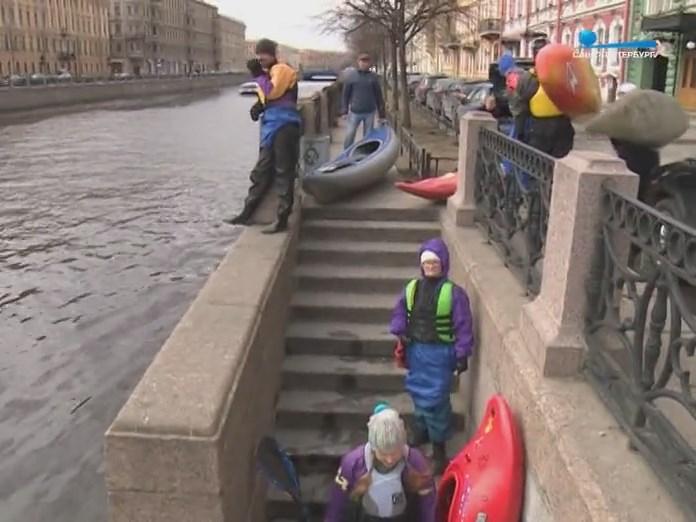 Набережная СПб спуск лодок и каяков