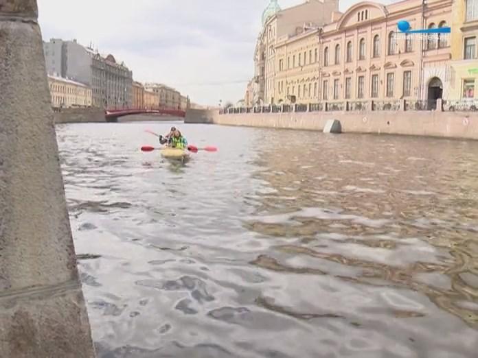 По каналам Санкт-Петербурга на байдарке с веслами