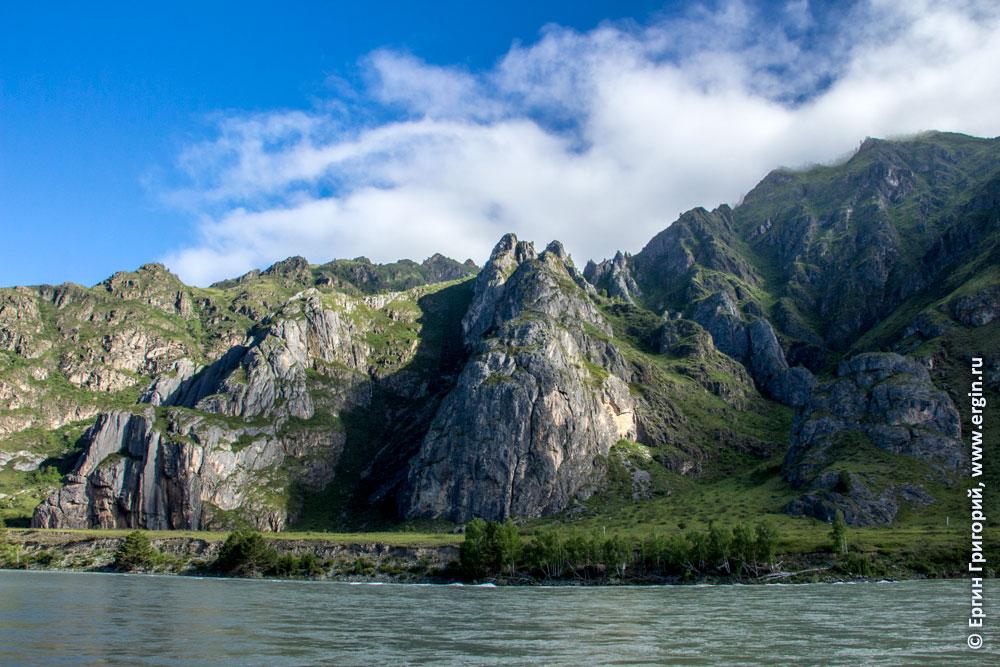 Пейзаж Катунь горы над волной Бийка Алтай