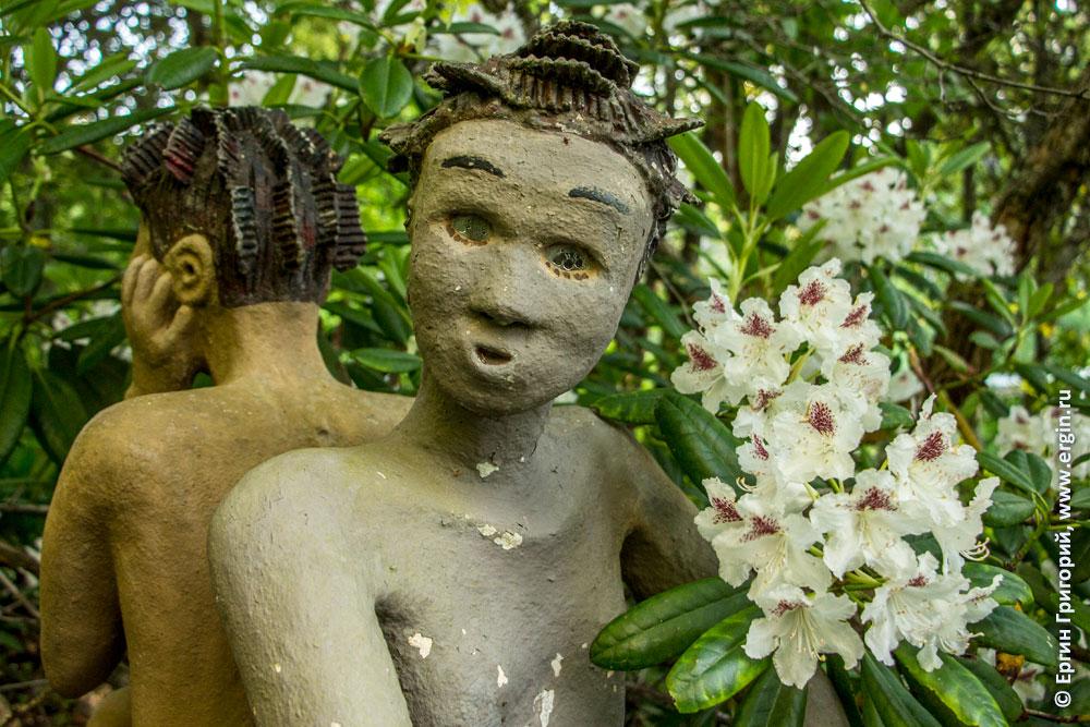 Цветы и статуи в Финляндии в Патсаспуйсто
