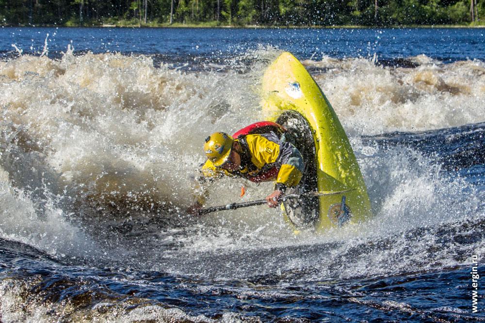 Плейспот Нейтикоски Лиекса Финляндия каякинг фристайл на бурной воде