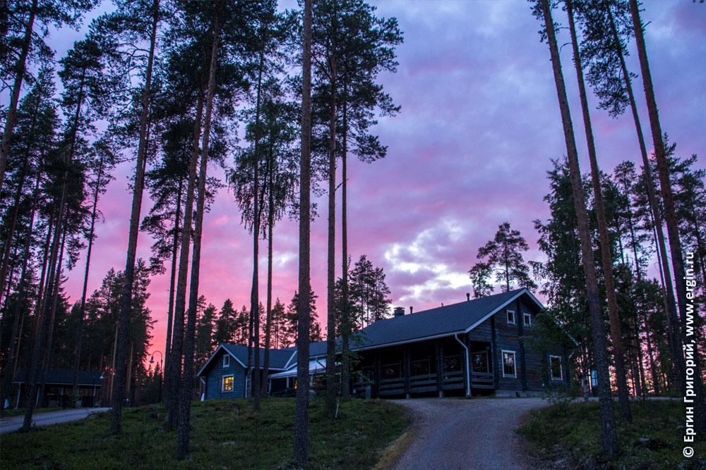 Фиолетовый закат в кемпинге Нейтикоски недалеко от Лиексы