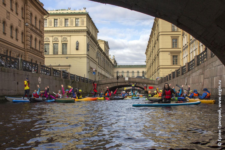 На каяках байдарках SUP по рекам и каналам СПб Питера Санкт-Петербурга