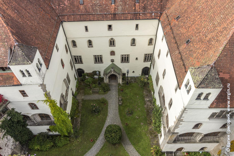 Бавария Германия Платтлинг замок Эгг внутренний дворик