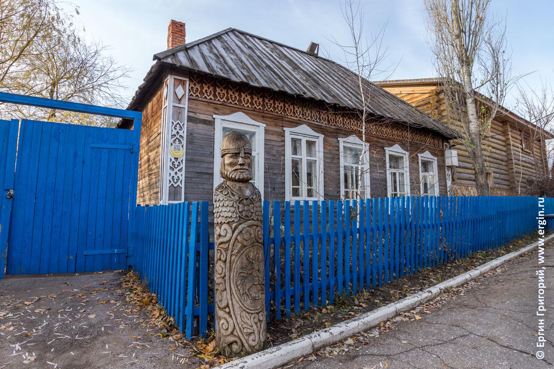 Саратов типичный старинный дом с узорами