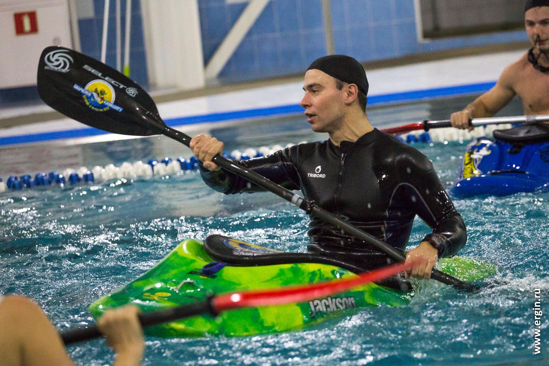Инструктор тренер по каякингу фристайлу на бурной воде
