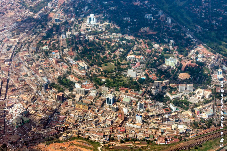 Столица республики Уганда Кампала фото с самолета
