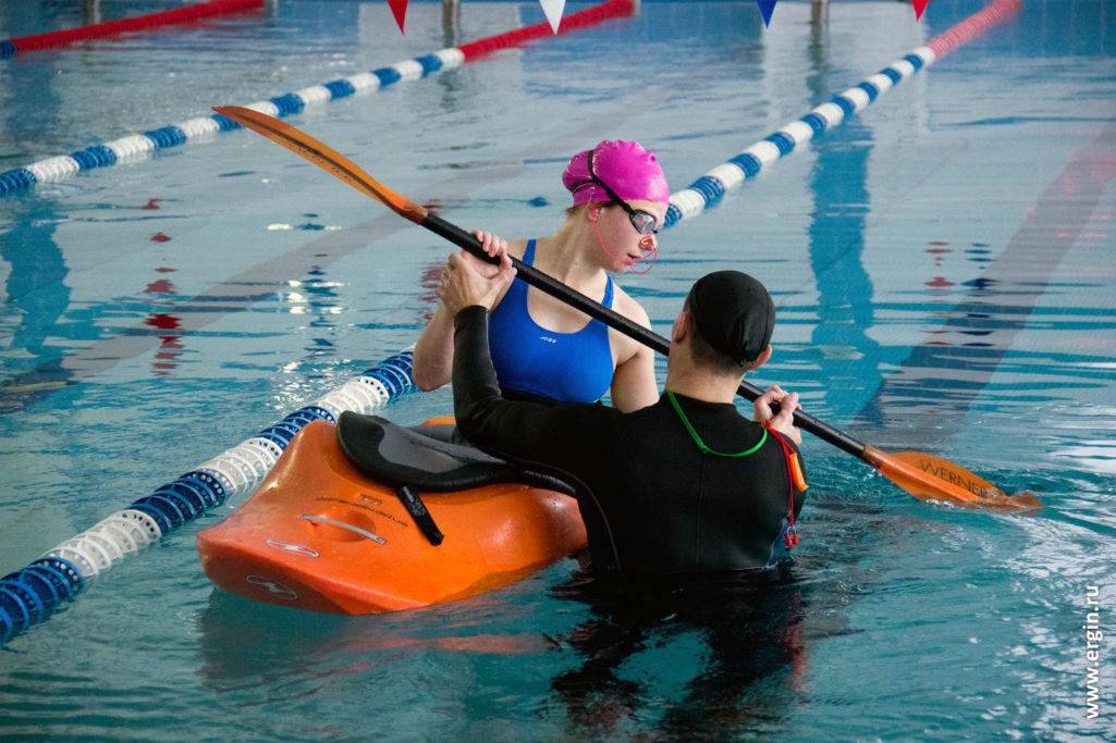 Обучение каякингу эскимосский переворот идеальное завершение в бассейне