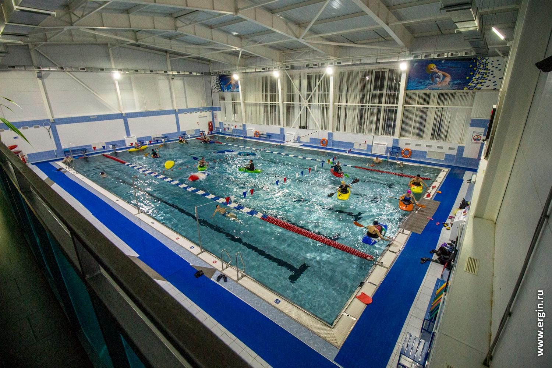 Плавательный бассейн СГЮА в Саратове для обучения каякингу эскимосскому перевороту