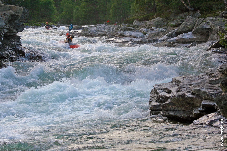 Прохождение реки Лоры в Норвегии на каяках сплав