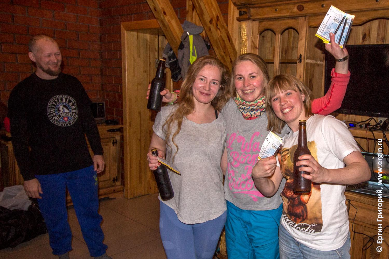 Сноукаякеры девушки призеры победители соревнований по сноукаякингу