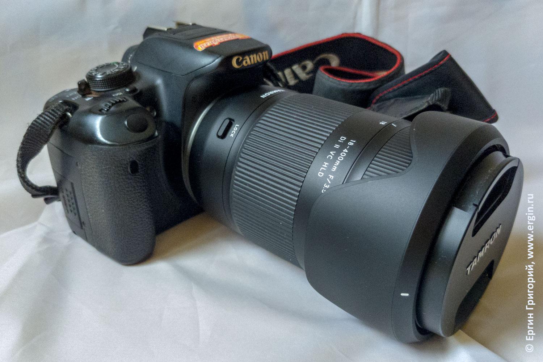 Внушительные размеры объектива Tamron 18-400 на фотоаппарате Canon