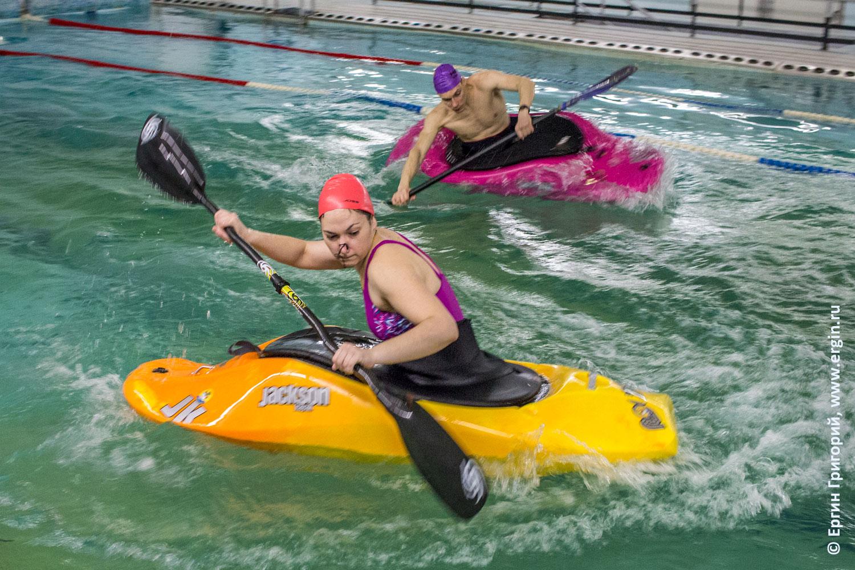 Как каякеры занимаются в бассейне тренировки