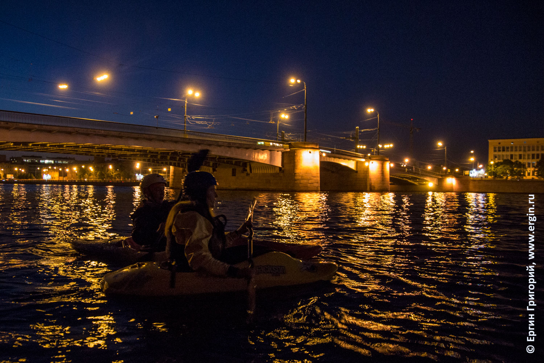 Каякеры на Большой Невке у Гренадерского моста