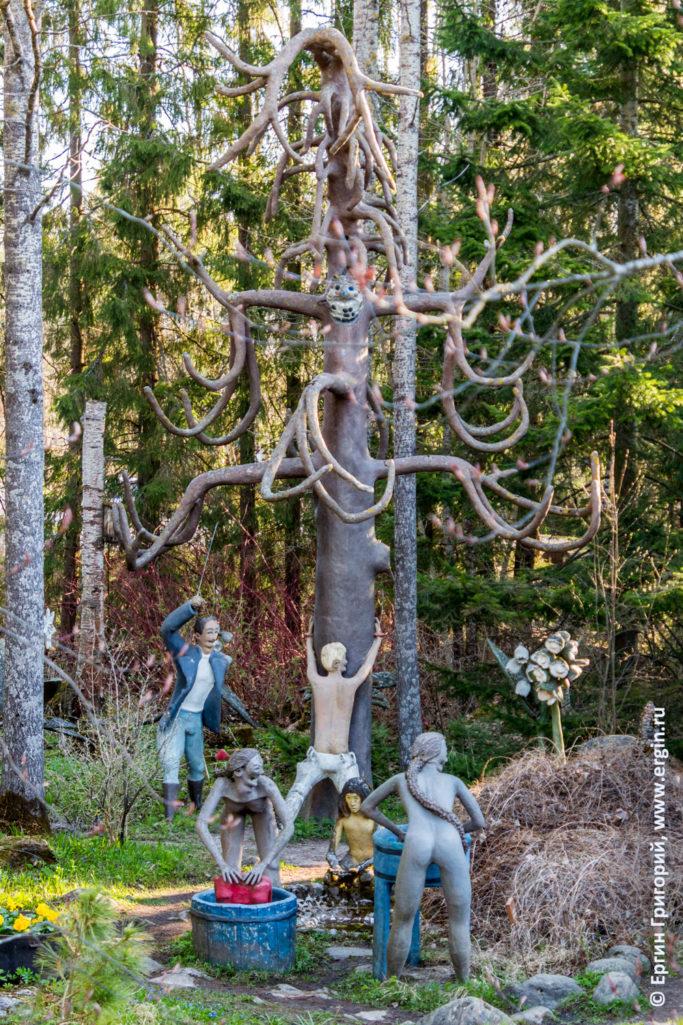 Patsaspuisto Патсаспуйсто по пути в Лиексу дерево статуи порка