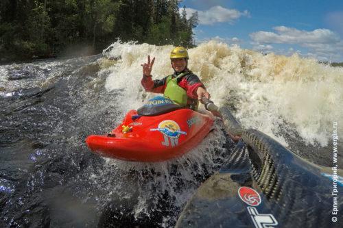 Фристайл-каякинг на бурной воде Лиекса Нейтикоски