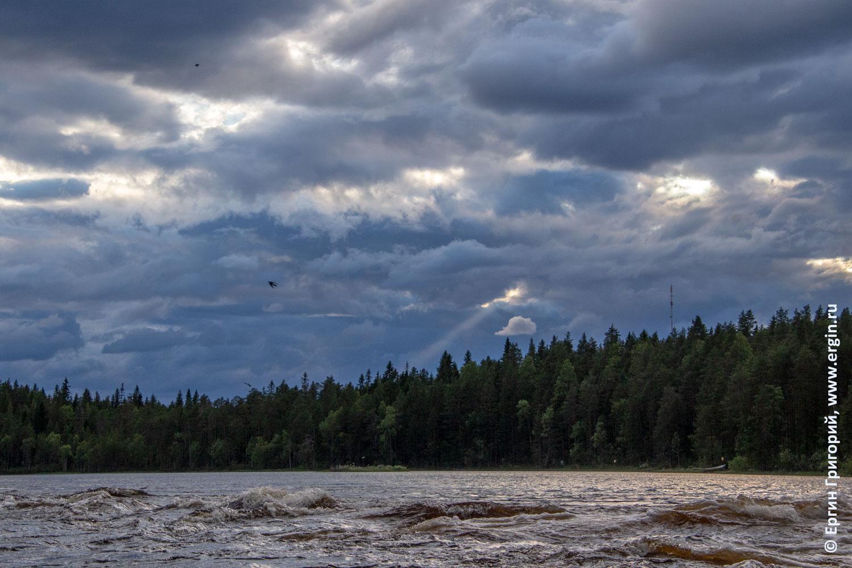 Lieksanjoki дождевые облака и просветы солнца