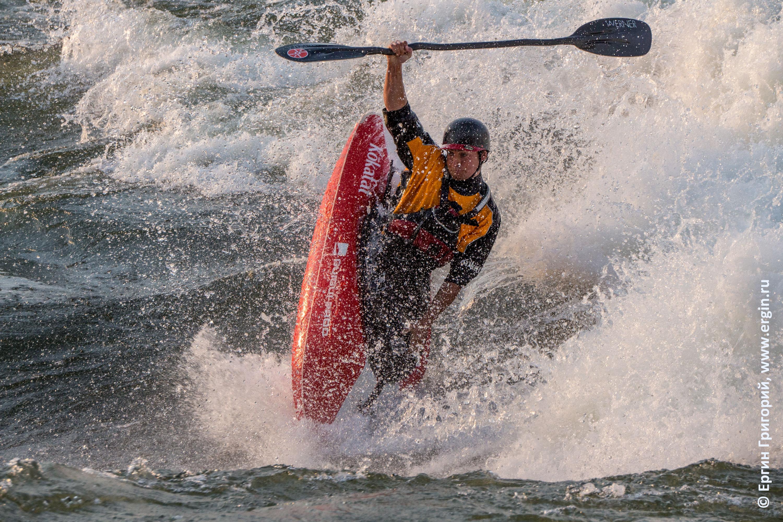 Quim Fontané Masó чемпион мира по фристайл-каякингу на бурной воде на валу в Уганде