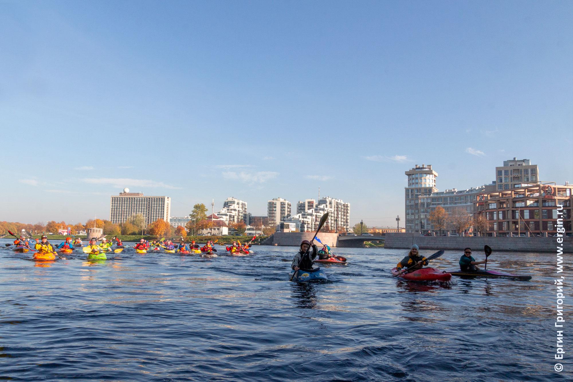 Каякеры путешествие по Санкт-Петербургу