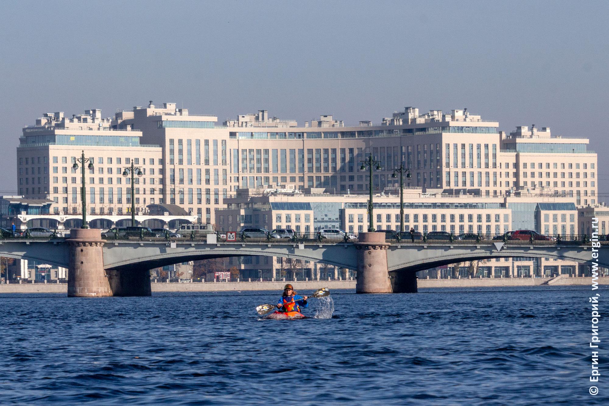 Санкт-Петербург городской каякинг на Неве