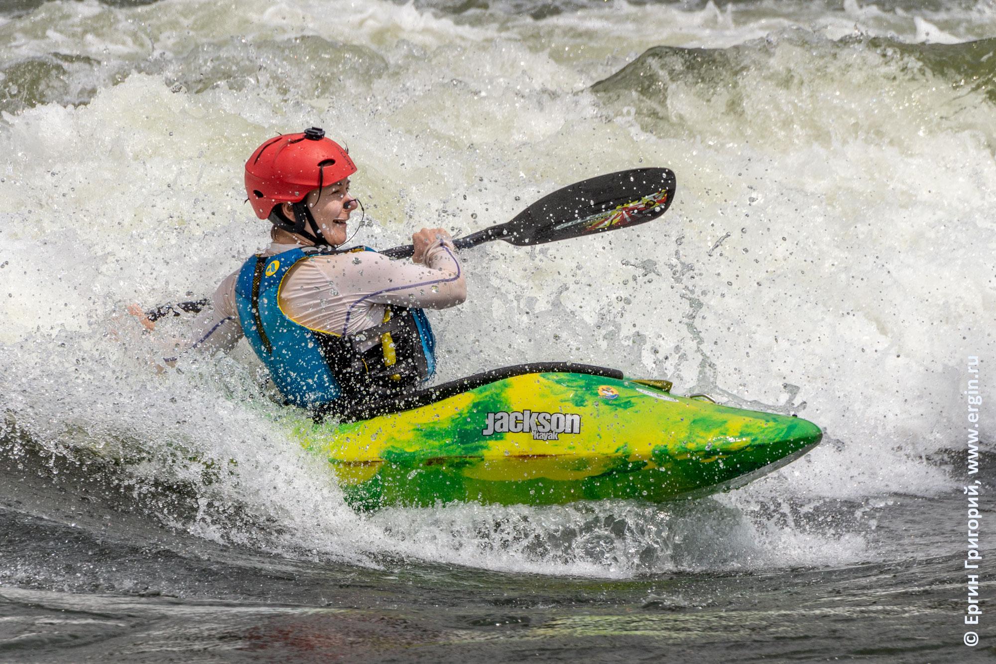 Уганда плейспот Супер Хол каякер с веслом серфит