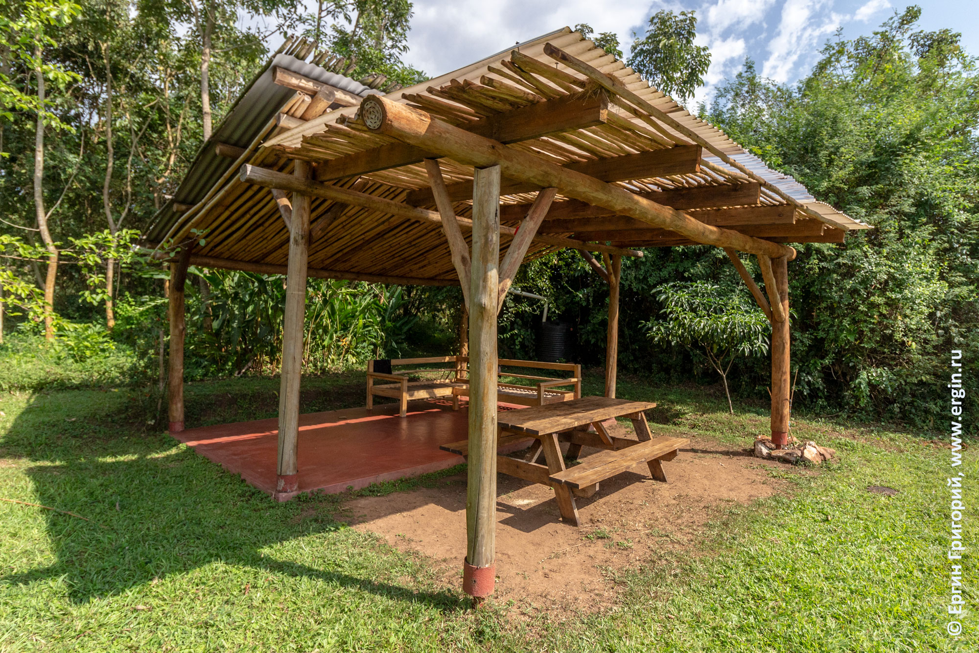 Чилаут на ферме Дженни в Уганде