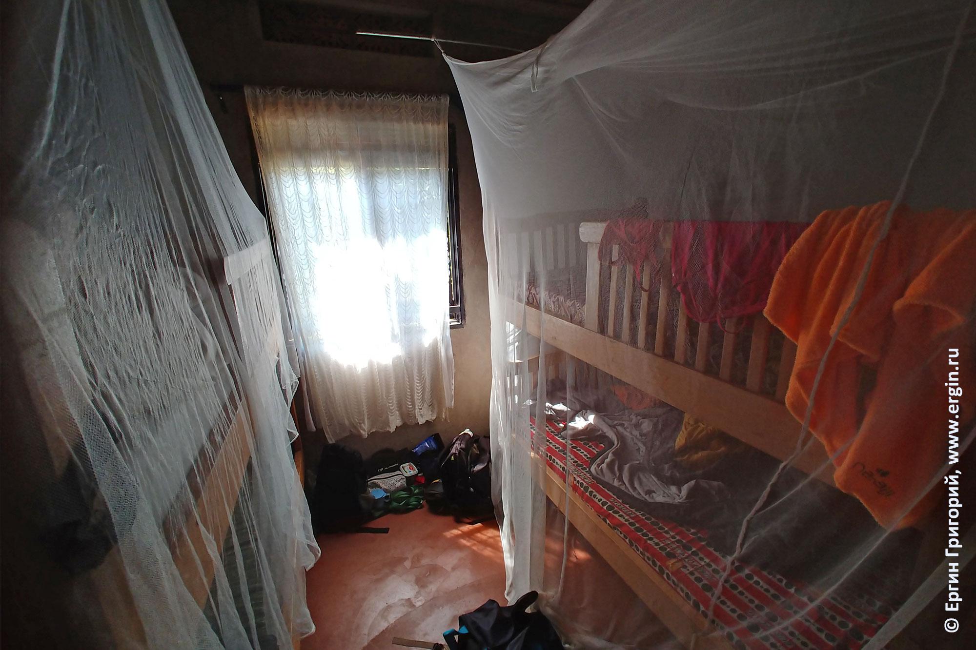 Спальная в доме Аниты Уганда Африка