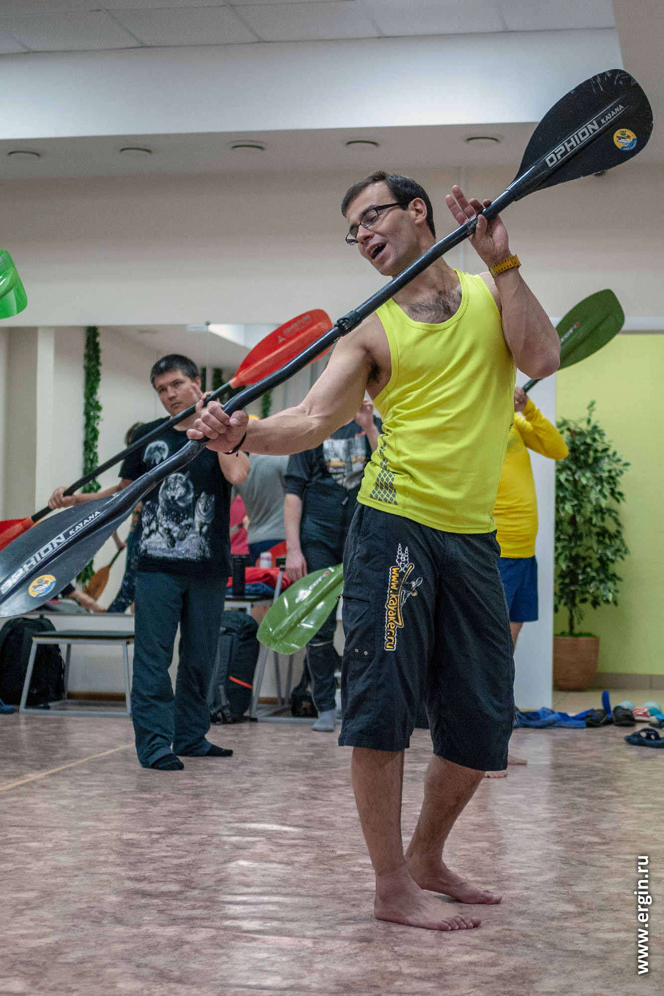 Сухая тренировка в зале по эскимосскому перевороту