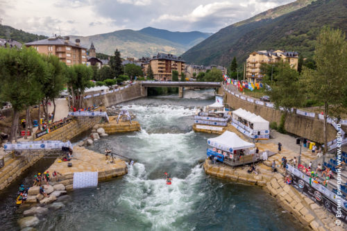 Чемпионат Мира по фристайлу на бурной воде в Испании, городе Сорт