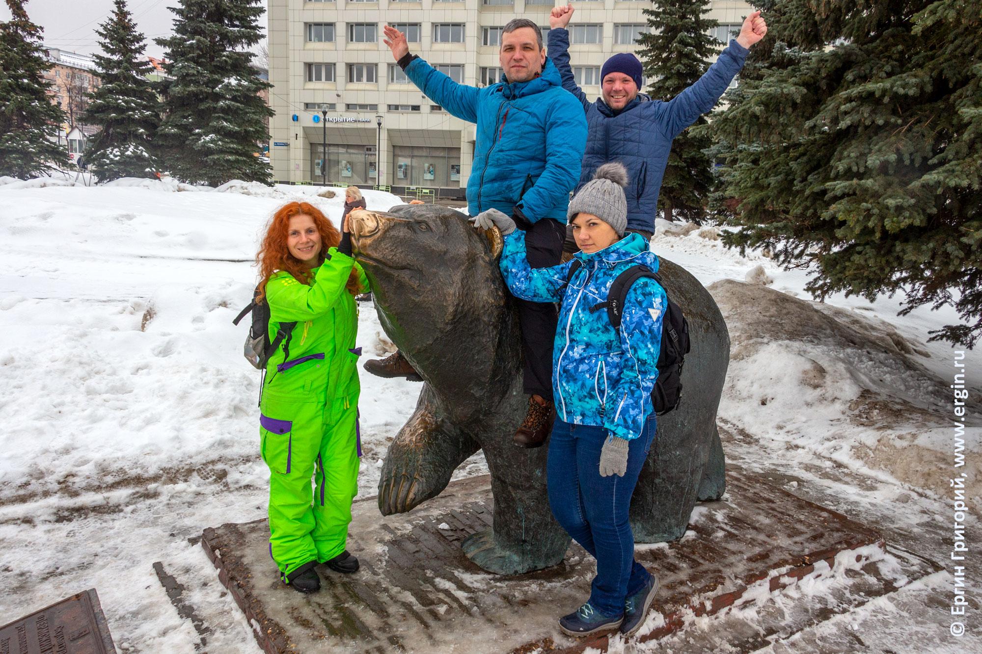 Пермский медведь скульптура