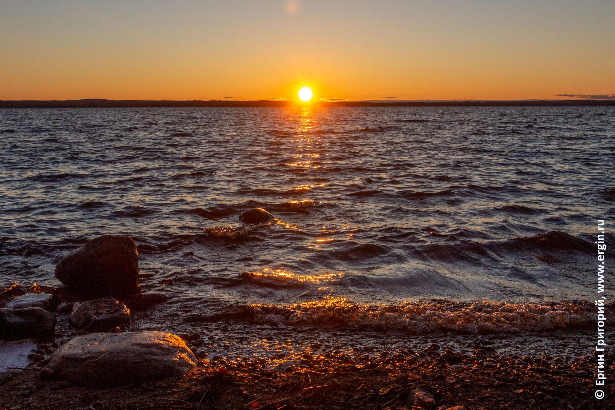 Закат над Пальозером в Карелии