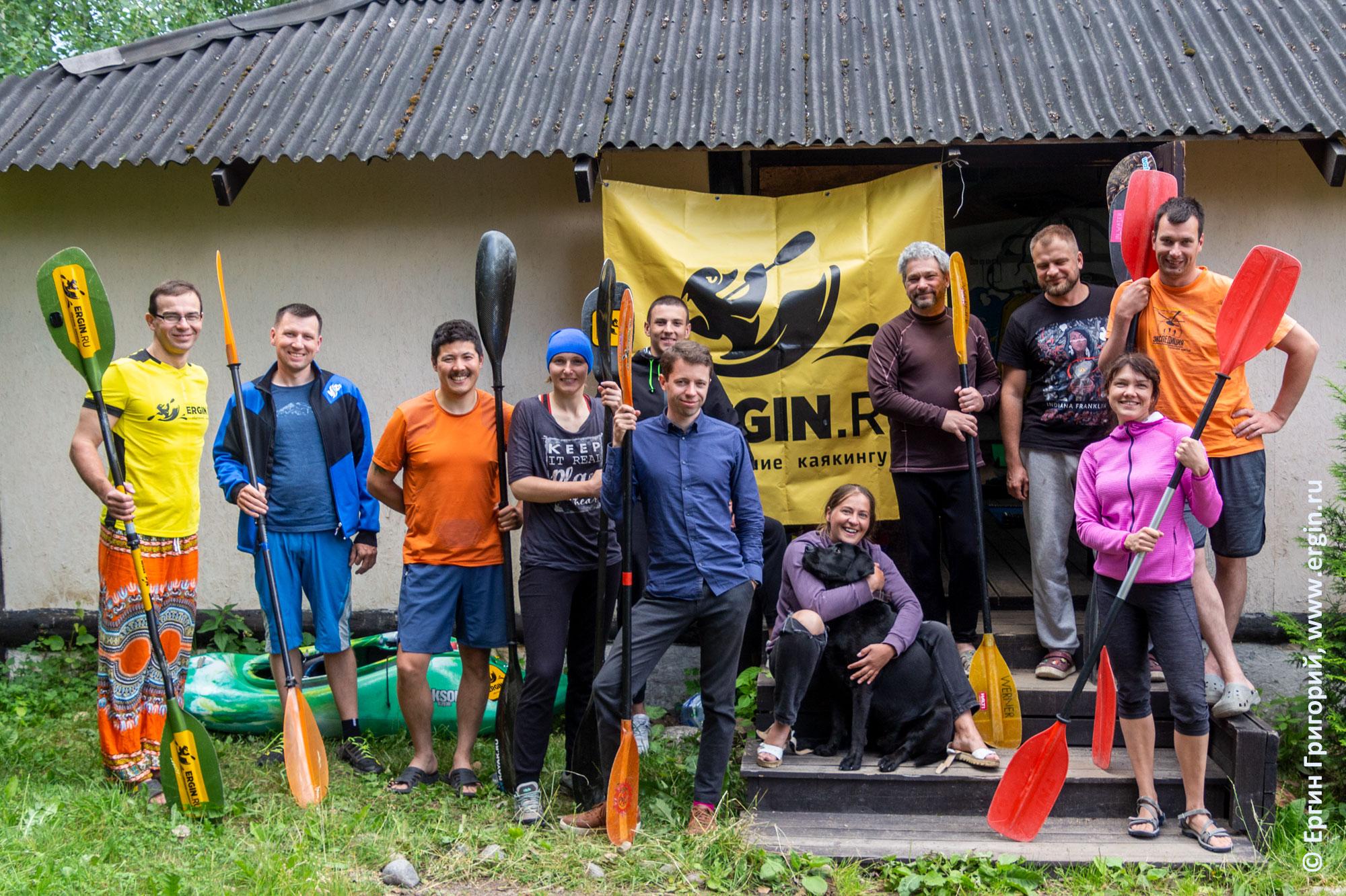 Каякеры участники интенсив-курса по эскимосскому перевороту в Лосево