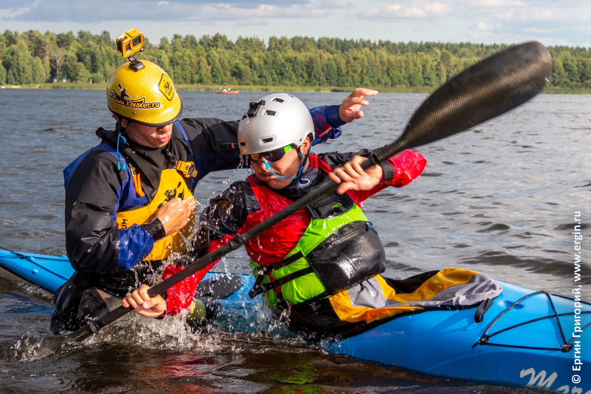 Обучение эскимосскому перевороту на морском каяке для марафонов