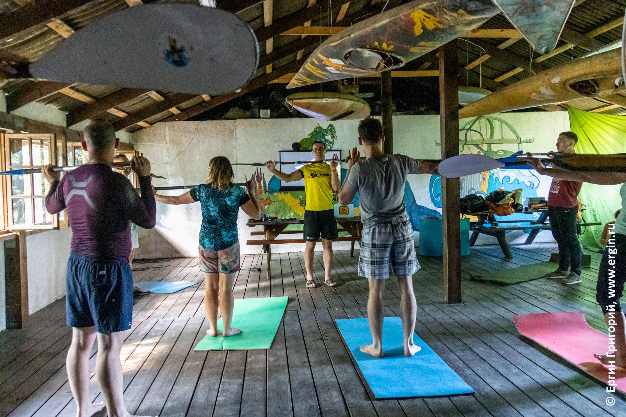 Сухие тренировки по каякингу с веслами