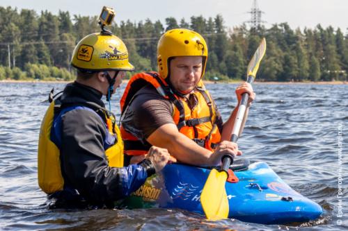 Тренировка по эскимосскому перевороту на воде
