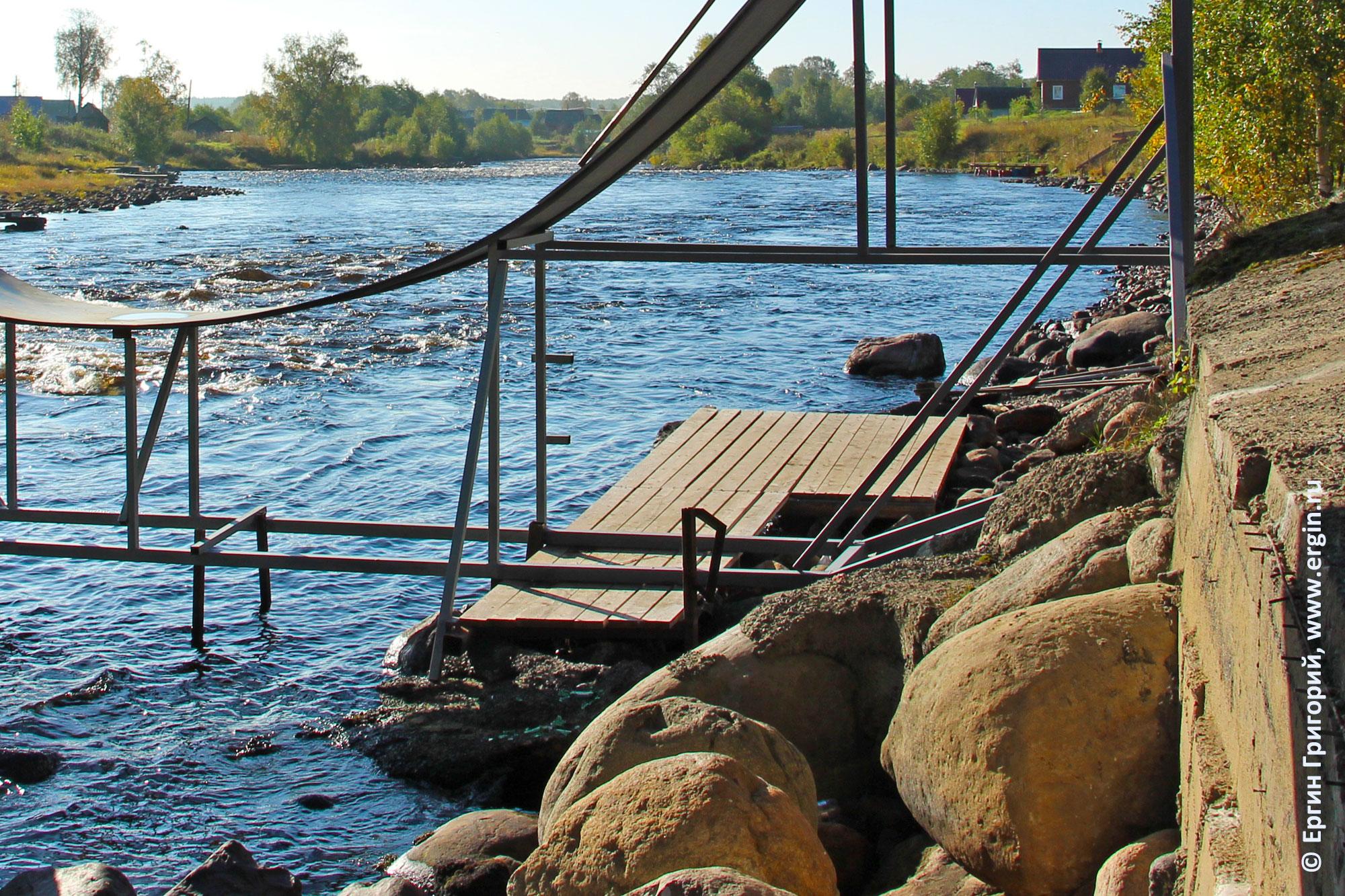 Мостки под рампой в Тивдии