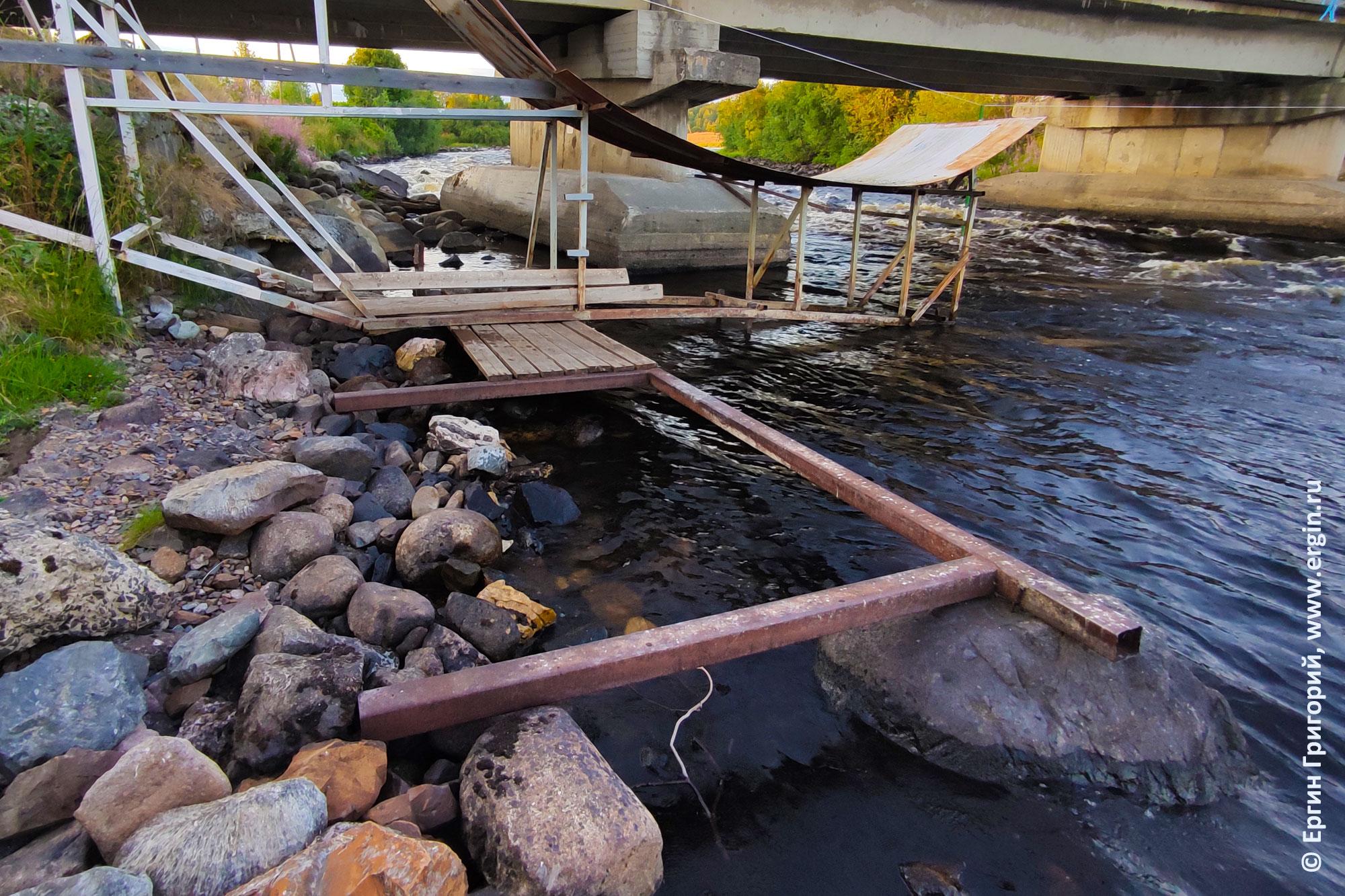 Мостки в Тивдии перед ремонтом