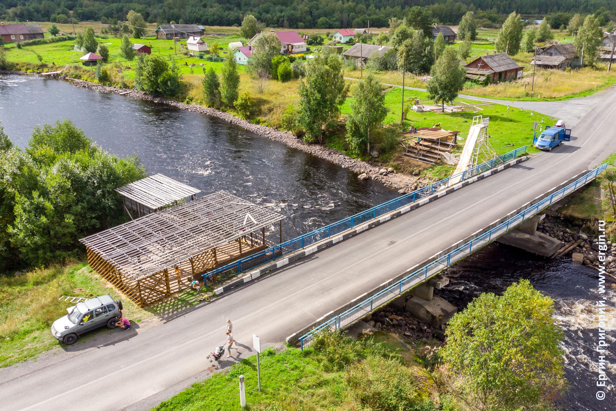 Спортивные строения в Тивдии на берегах реки Тивдийки у моста