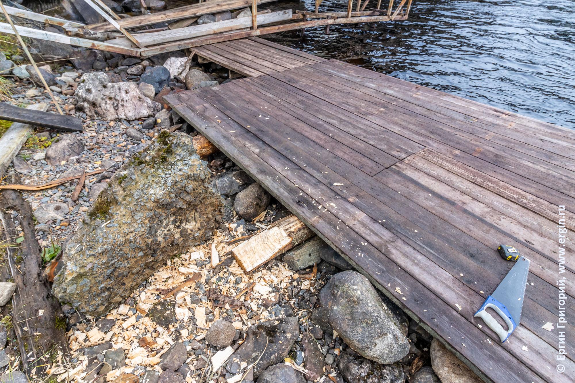 Финальный этап восстановления мостков в Тивдии
